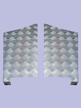 DA4071 Pair Rear Wing Chequer Plate Defender 110